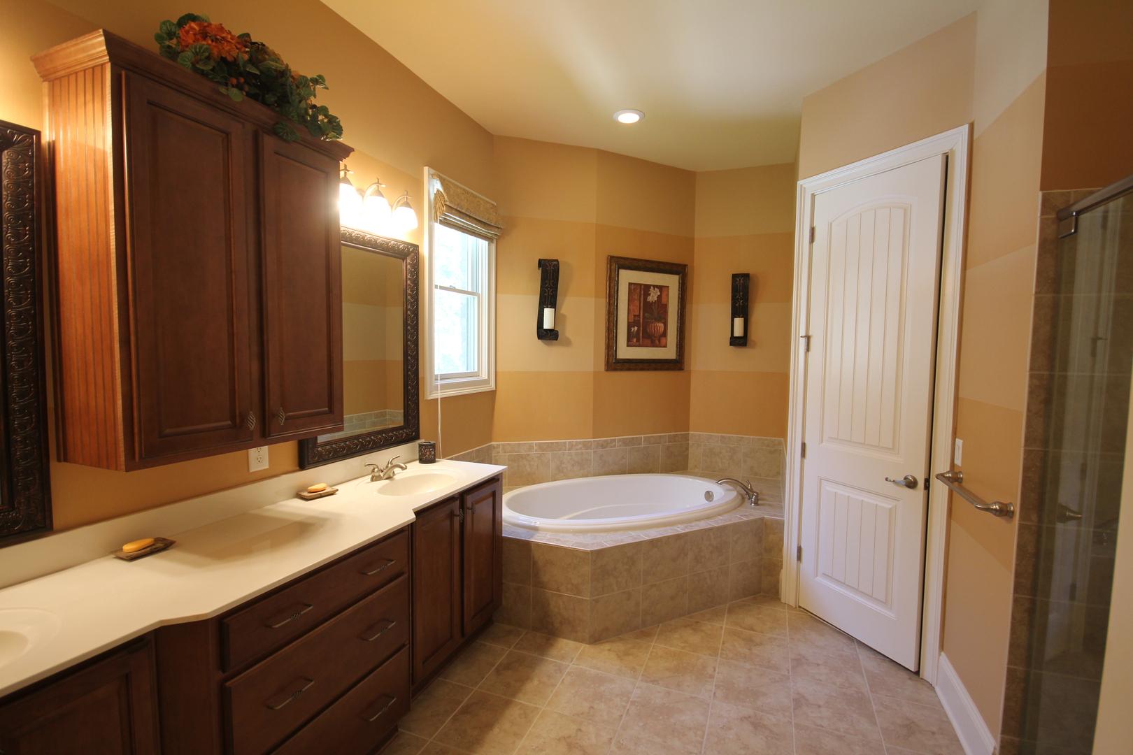Faux painting bathroom - Faux Painting Bathroom 7