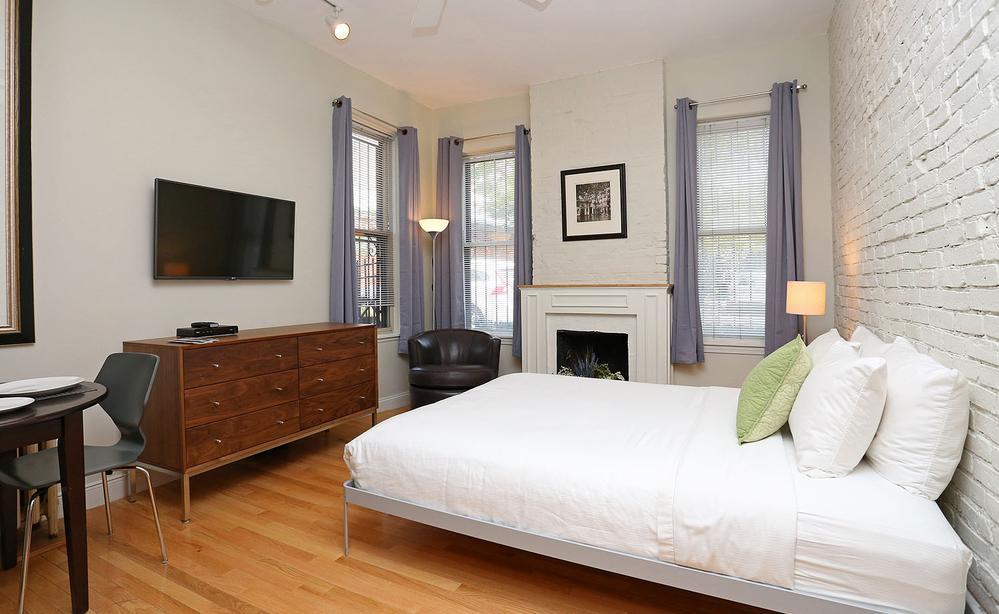Studio Apartments. Townhouse Studios Boston   Short Term Apartment Rentals