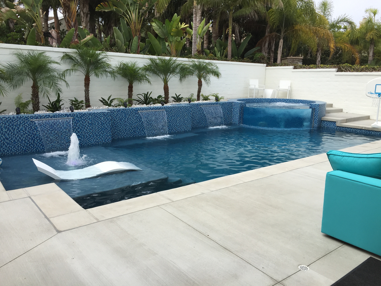 Pool modern  Meridian Custom Pools - Swimming Pool Construction, Modern And ...