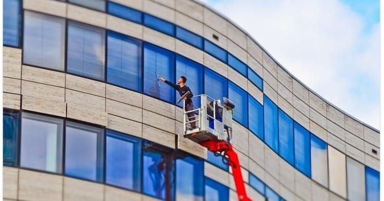 BEST OFFICE WINDOW CLEANING SERVICE IN ALBUQUERQUE NM ABQ HOUSEHOLD SERVICE