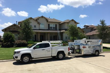 house wash exterior cleaning stucco house Cypress Texas