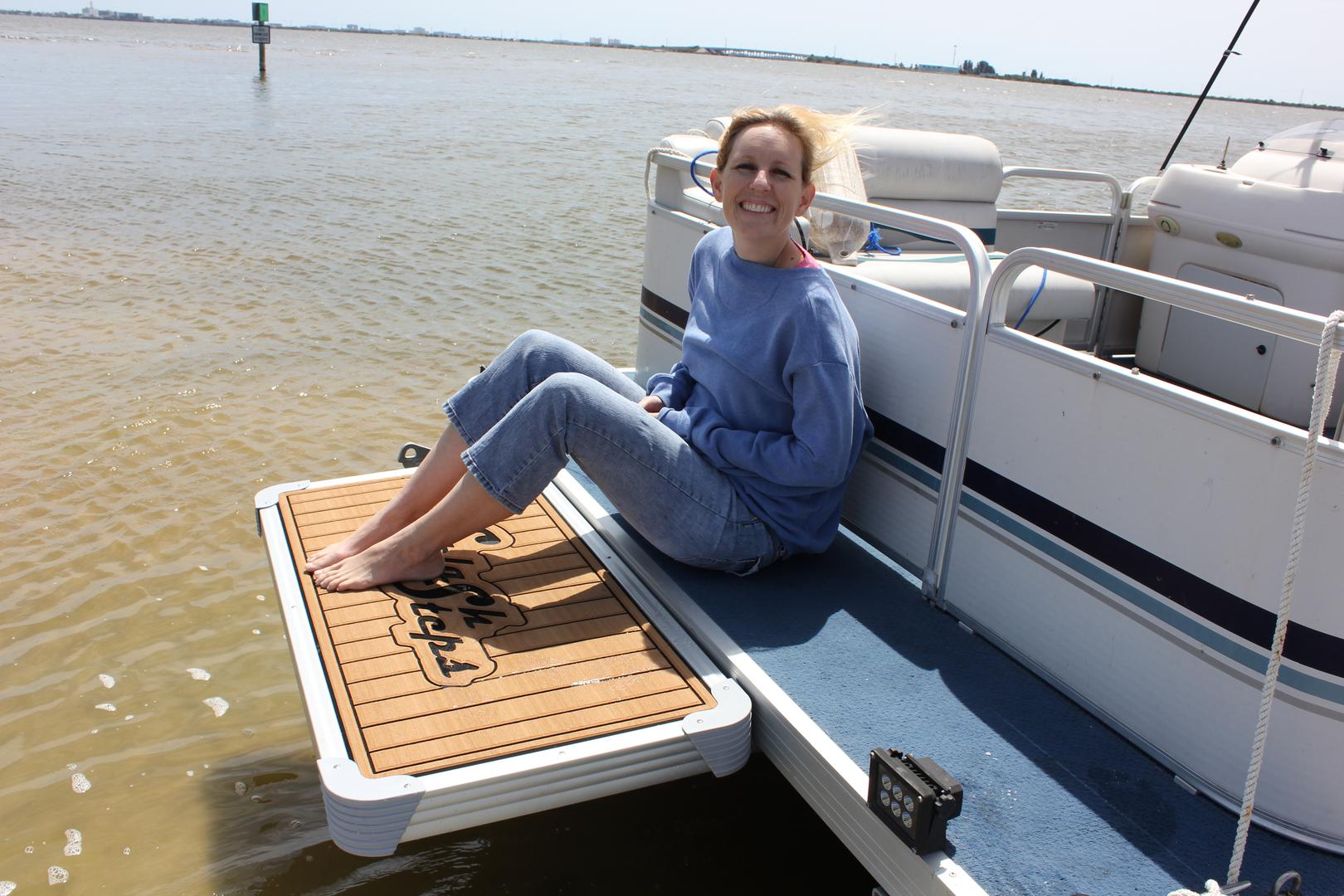 Splash Steps LLC - Pontoon Boat Swim Platforms, Hydraulic