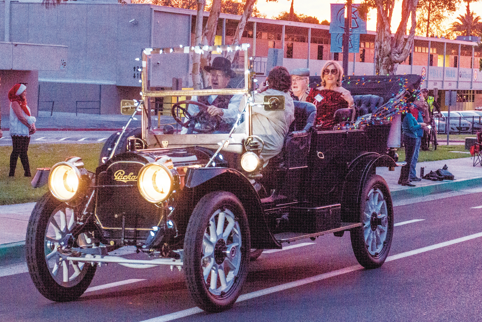 Antique Packard is highlight of parade