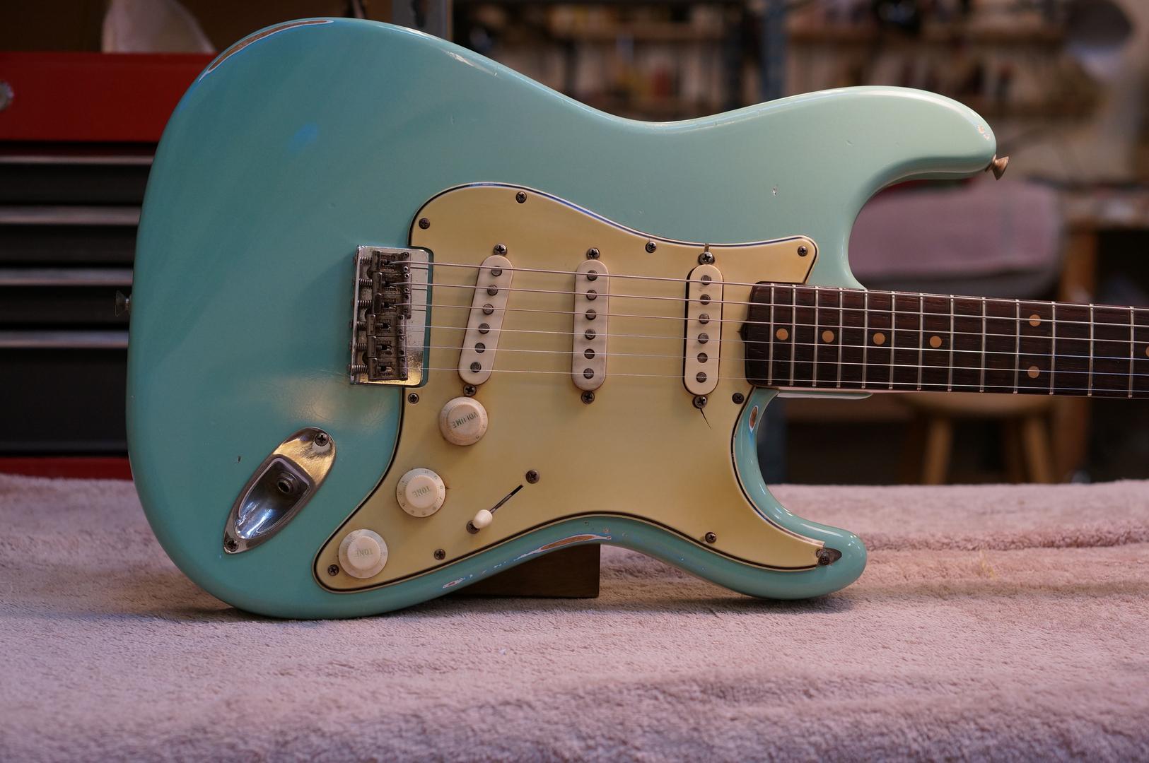 Simple Guitar Paint Jobs
