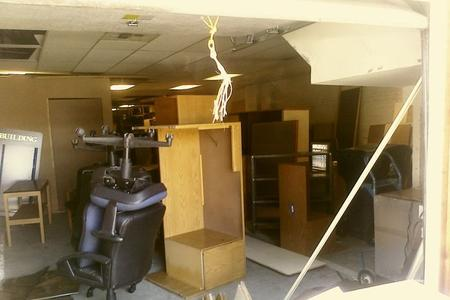Table Removal Old Table Junk Table Pick Up Hauling Service and Cost Lincoln | LNK Junk Removal