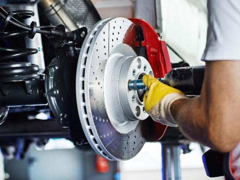 Mobile Brake Repair Services and Cost Mobile Brake Maintenance and Services | FX Mobile Mechanic Services