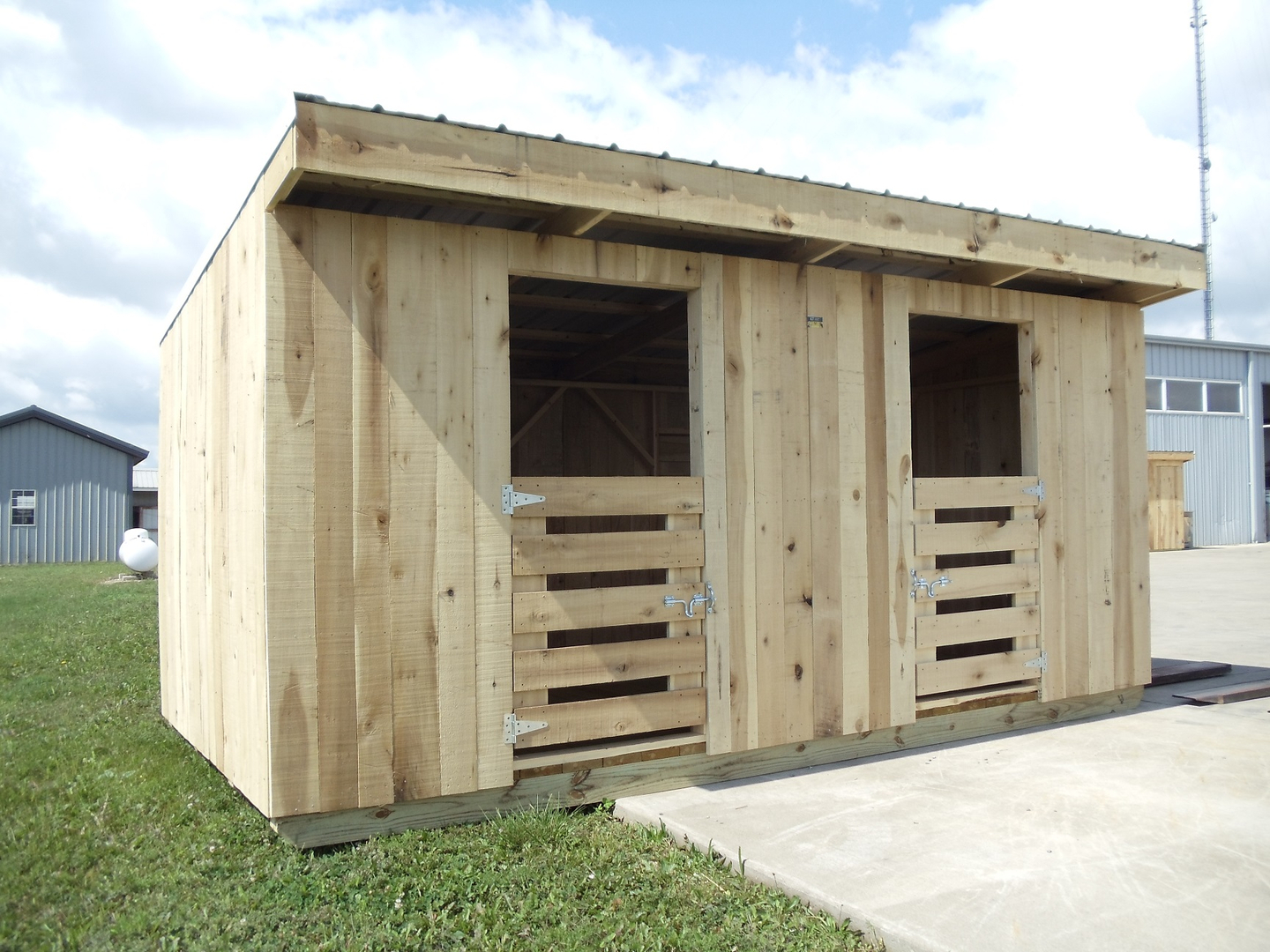 Quality Portable Goat Sheds Our Are Fully Durable Little Shelters And Quite Versatile To Accommodate A Variety Of Different Animals