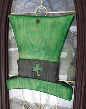 DIY St Patricks Day Irish Top Hat decoration. FREE step by step instructions. www.DIYeasycrafts.com