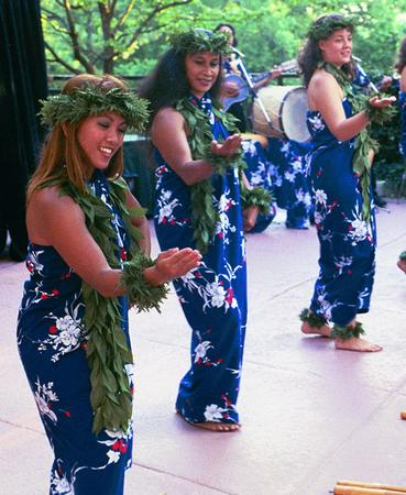 Luau Hawaiian Dancers at a Nashville company themed event.