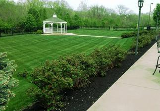 Lawn Care, OneLove Lawn, Lawn care service, Lawn care service 43123, Lawn care Grove City Ohio, Galloway, Best lawn care company, best lawn care service, best lawn care, sidewalk edging,