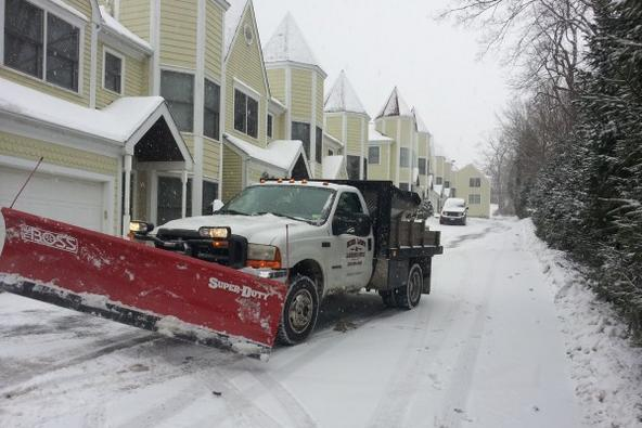 SNOW PLOWING SERVICES FOR BUSINESSES IN HICKMAN NEBRASKA