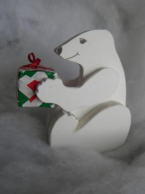 How to make easy Polar Bear Christmas Decorations. www.DIYeasycrafts.com