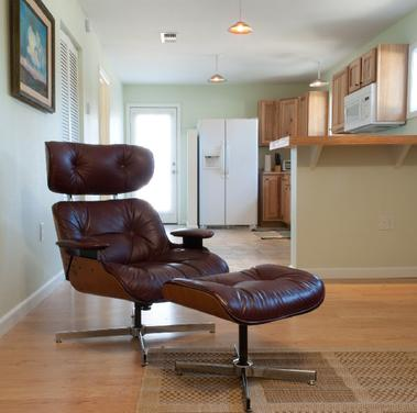 The Salon at Blan's House is a furnished 1-bedroom rental apartment in Victoria TX, available for a short-term lease.