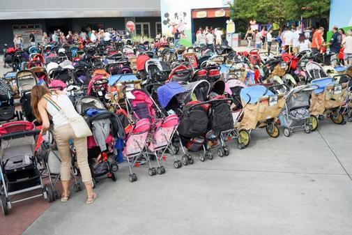 Go Disney Vacation - Stroller Rentals, Near Disney, Stroller