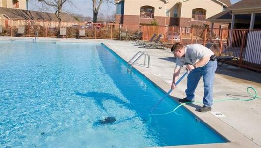 Best Pool Cleaning Swim Pool Cleaning Service Pool Cleaner Weekly Bi Weekly Pool Cleaning In Lincoln NE – Lincoln Handyman Services