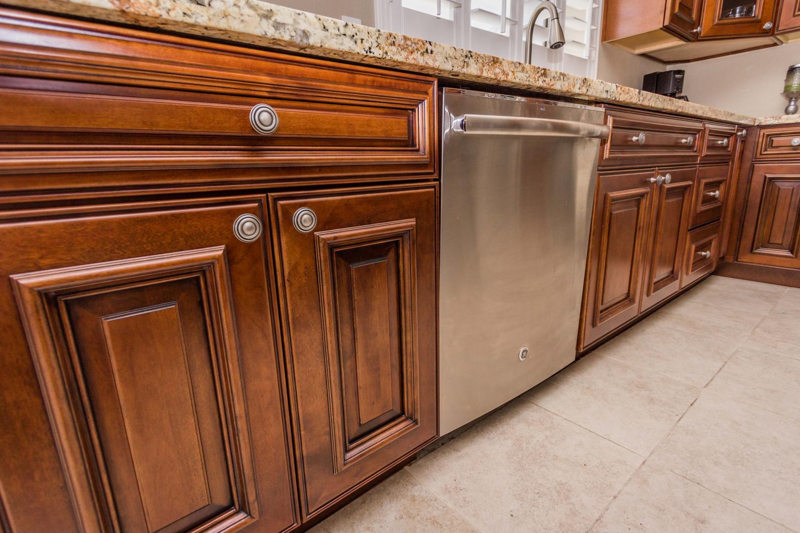 Dutch Design - Arizona Kitchen Cabinets And Bathroom Vanities In Phoenix, Az
