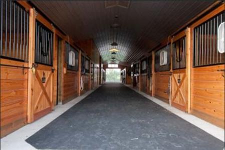 photo canada biz on carpet barn barns of flooring the photos installation uxbridge ls main