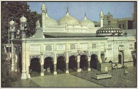 Hazrat Baba Faridduddin Ganj-e-Shakar , Pakpattan Pakistan