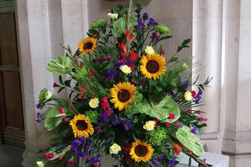 Funeral flowers henley ipswich we will deliver you r flowers to the church or venue and set them up ready for when you arrive all in good time for the funeral details agreed at time of altavistaventures Gallery