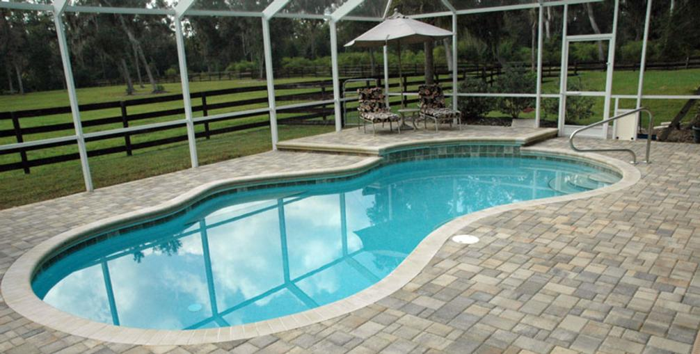Bluegrass pool and spa llc lexington ky pool maintenance for Swimming pool dealers