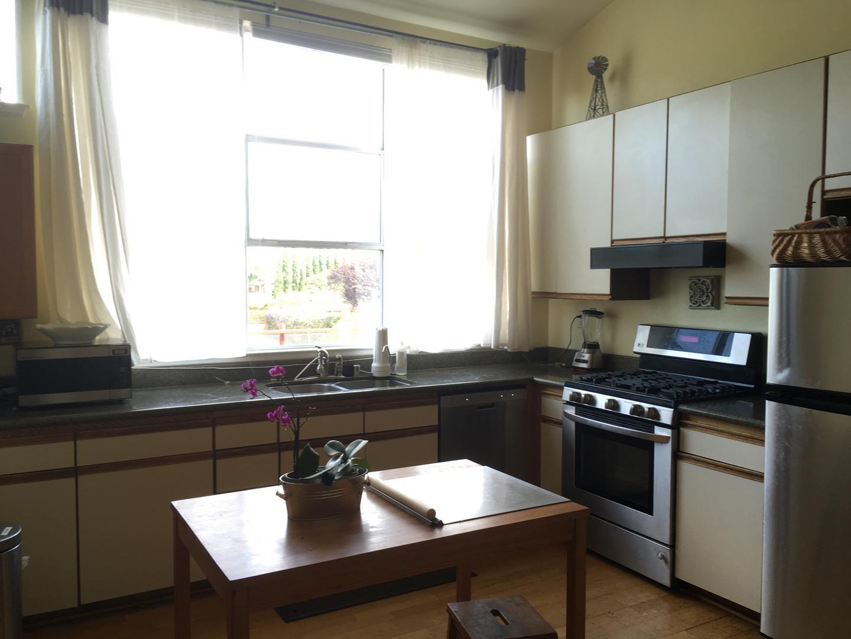Doyle Street cohousing rental kitchen