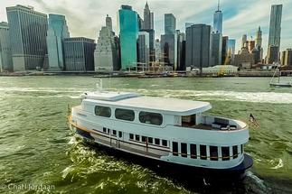 Yacht Rental Golden Knot Bateaux New York