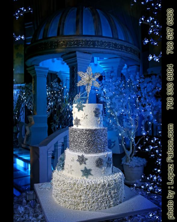 Winter Wonderland Cake Pastel cake Quinceanera Sweet 15 Party Theme Sweet 15 Photography Video Dresses Photo Shoot Fifteens pastel para quinceanera en miami 15 anos cake Quince Venue Westin Colonnade Coral Gables quinceanera Winter Wonderland Cake Winter Wonderland Stage Decoration Miami Winterland show Miami