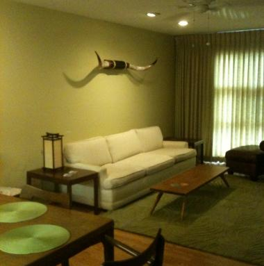 Blan's House is a furnished 3-bedroom corporate rental house in Victoria TX, available for a short-term lease.