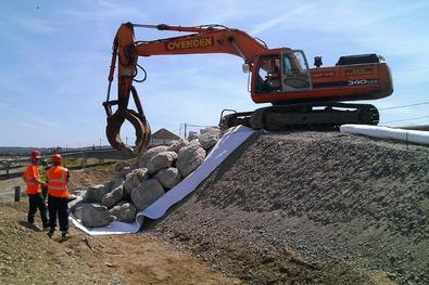 Placining Rocks with excavator, Ovenden Allworks