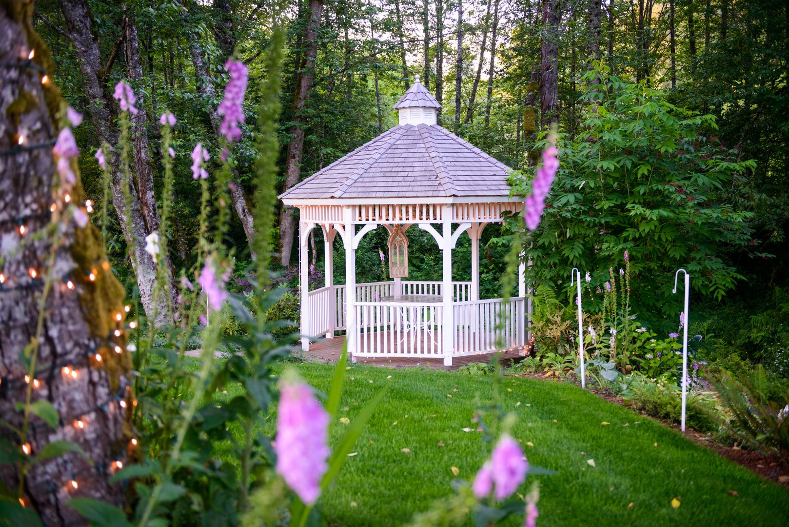 outdoor wedding venues garden events knollcrest gardens sandy or - Garden Wedding Venues