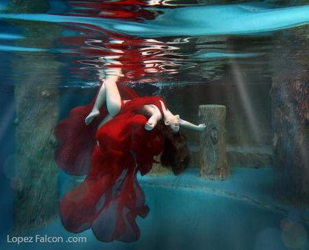 Sweet 15 underwater quinceanera photography show miami