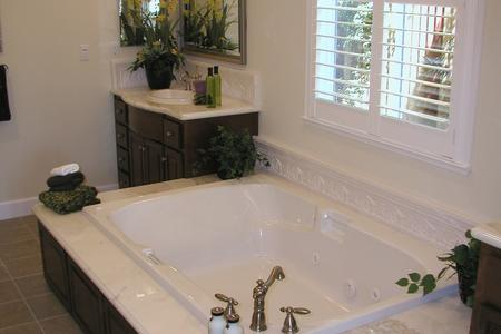 Custom jacuzzi tub in Castle Rock Colorado bathroom remodel bathroom window contractor