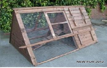 Highlander ark shaped hen house