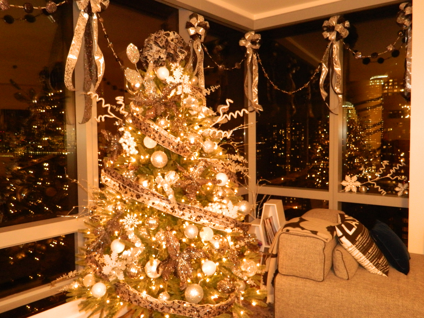 denise piccolo professional christmas decorating and event planning nyc
