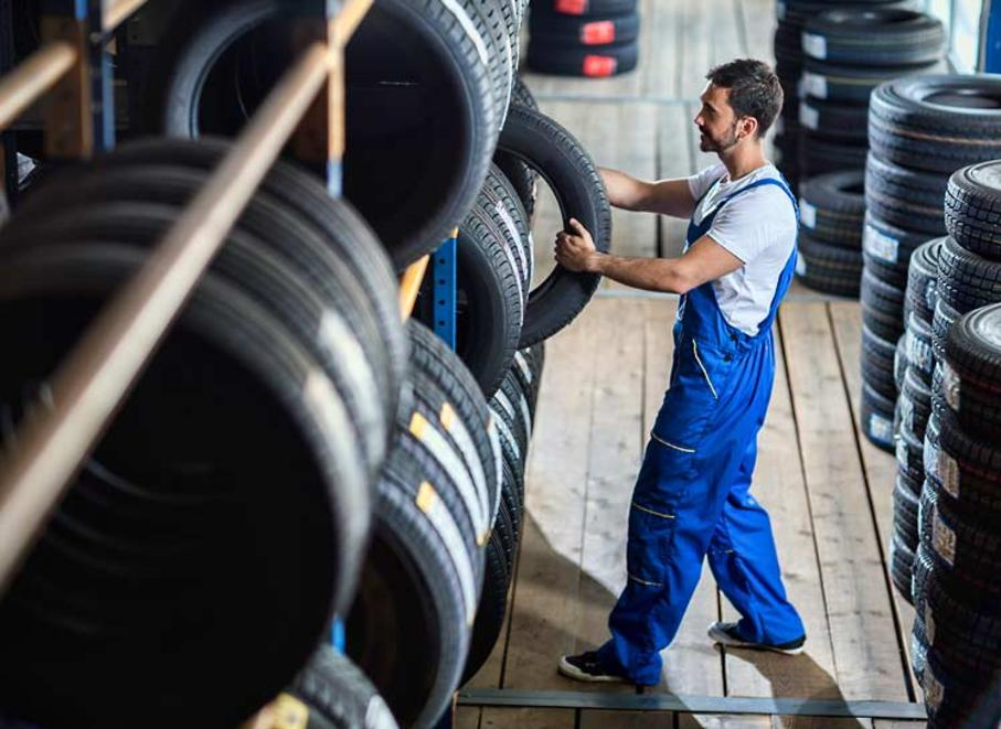 Mobile Tire Replacement Services and Cost in Omaha NE | FX Mobile Mechanic Services