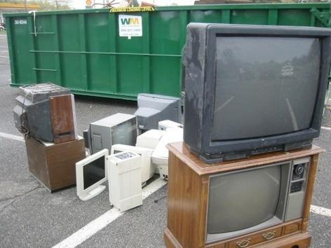 TOP-RATED OLD TV REMOVAL SERVICES IN OMAHA NEBRASKA | OMAHA JUNK DISPOSAL