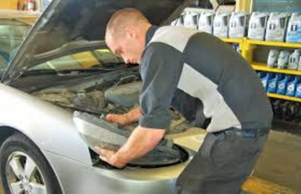 Mobile Headlight Repair and Replacement Services and Cost in Omaha NE | FX Mobile Mechanic Services