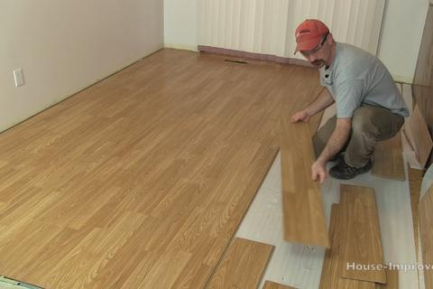 Excellent Laminate Floor Removal in Omaha NE | Omaha Junk Disposal
