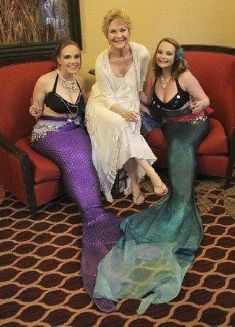 Siren Swerve Mermaid Pearl Making Friends With Dee Wallace