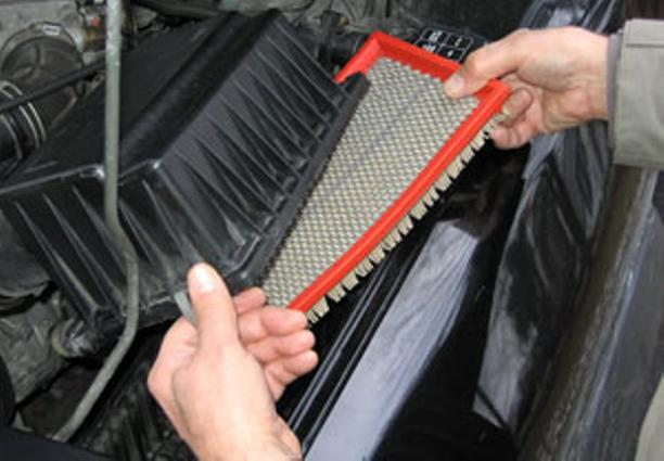 Mobile Air Filter Repair Replacement Services and Cost in Edinburg Mission McAllen TX| Mobile Mechanic Edinburg McAllen