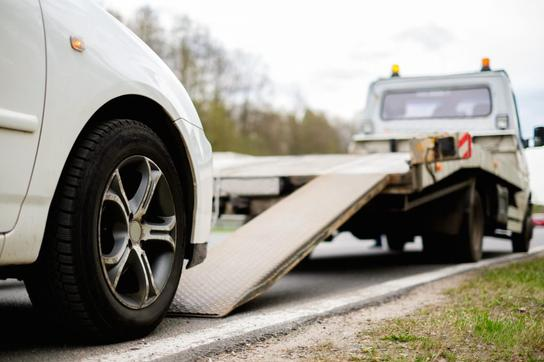 EMERGENCY ROAD SIDE ASSISTANCE IN UNDERWOOD IA – 724 TOWING SERVICE OMAHA When you're stuck on the highway, we'll come to your rescue - fast!