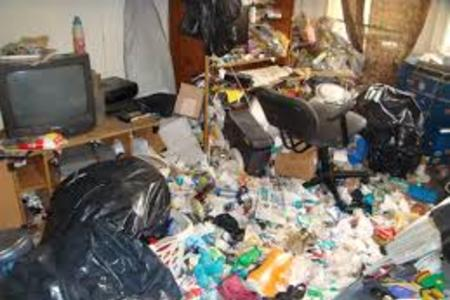 Hoarder House Cleanout Service Hoarding Clean Up Hoarding Help Service and Cost in Lincoln NE | LNK Junk Removal