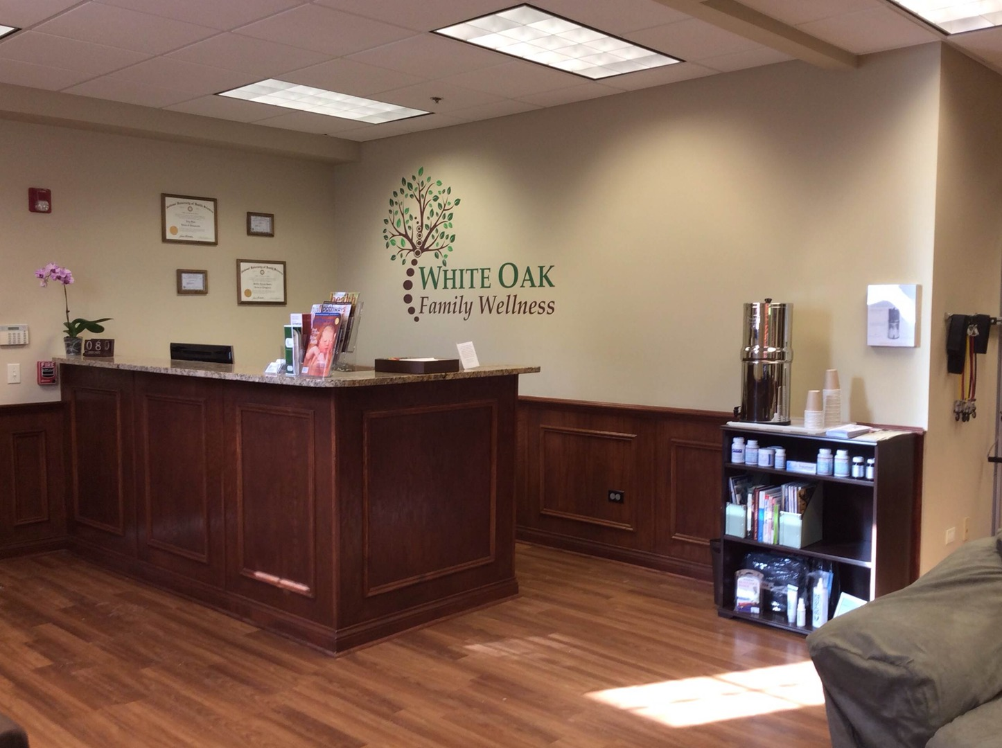 Front desk at White Oak Family Wellness in St. Charles, IL