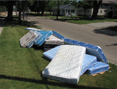 Local King Mattress Removal King Mattress Disposal Pick Up Service And Cost In Lincoln | LNK Junk Removal