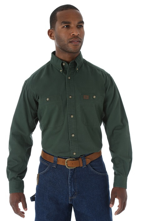 e357eebe This short sleeve shirt by Riggs Workwear Wrangler® is a must-have.  Featuring Room2move®, this shirt is comfortable and durable, and the side  gussets give ...
