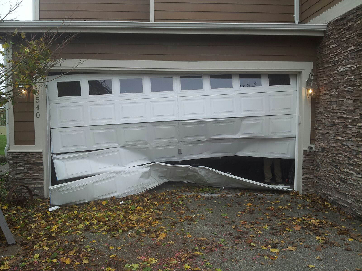 slide your services service serve garage provider reliable you available same up parts and day to maintenance tune door