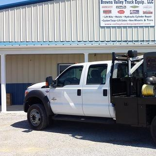 truck equipment in kentucky air compressors cranes tarp kits