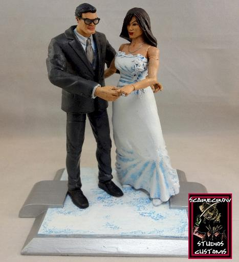 lois and clark wedding cake topper 2