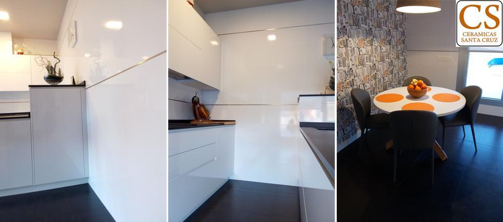 Cocina con baldosas y azulejos porcelanicos rectificados for Azulejos cocina blanco brillo