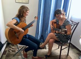 Leah teaches flamenco guitar lessons in Seville to students of all experienced levels, from beginner to advanced